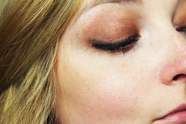 Semi-Sweet-Chocolate-Bar-Makeup-3