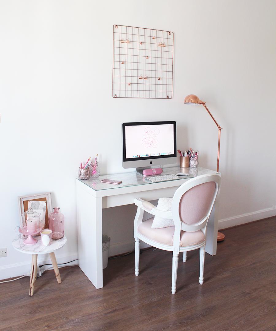 mon nouveau bureau julie world of beauty. Black Bedroom Furniture Sets. Home Design Ideas