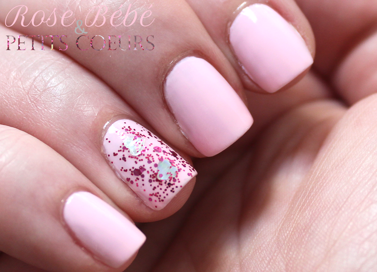 Manucures rose - Faux ongles rose pale ...